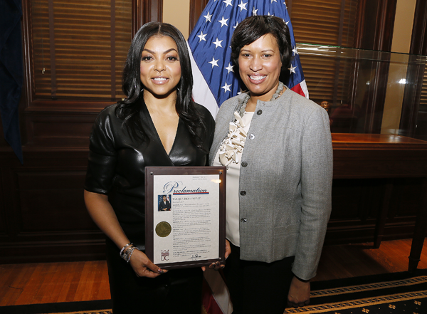 Washington DC Mayor, Muriel Bowser (R), honors actress Taraji P. Henson with a Proclamation to the City at the Office of the Mayor. PAUL MORIGI/GETTY IMAGES FOR PARAMOUNT PICTURES