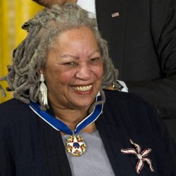 Toni Morrison recieves medal of freedom award
